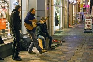 Letzte Woche protestierten Straßenmusiker gegen die neue Regelung.