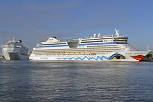 192 Kreuzfahrtschiffsanläufe 2017 in Rostock-Warnemünde erwartet - die AIDAdiva eröffnet die Kreuzfahrtsaison