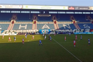 Hansa Rostock trennt sich im Geisterspiel torlos von Jahn Regensburg
