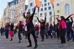 One Billion Rising - Frauen tanzen auf dem Rostocker Uniplatz