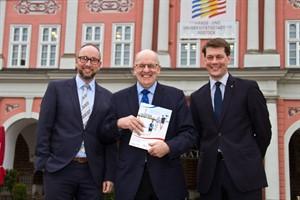 Matthias Fromm (Tourismusdirektor von Rostock und Warnemünde), Oberbürgermeister Roland Methling und Dehoga-Präsident Guido Zöllick (v.l.n.r.)