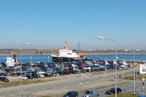 Der Parkplatz am Stadthafen wird gepflastert