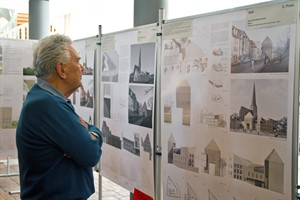 Ausstellung mit den Entwürfen zum Petritor im Rathaus