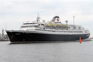 """Kreuzfahrtschiff """"Astoria"""" (Ex-Völkerfreundschaft) in Rostock-Warnemünde"""