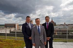 Wiro schließt 2016 mit Rekordergebnis ab - Christian Jentzsch (Bereichsleiter Investitionen), Christian Urban (Technischer Geschäftsführer) und Ralf Zimlich (Vorsitzender der Geschäftsführung) v.l.n.r