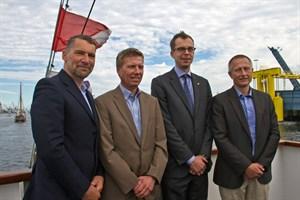 Jens A. Scharner (Rostock Port), Heiko Kähler (Scandlines), Björn Saschenbrecker (TT-Line) und Dr. Gernot Tesch (Rostock Port, vl.n.r.) bei der Präsentation der Halbjahresbilanz 2017 des Seehafens Rostock