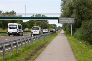 LED Informationstafel an der Stadtautobahn in Richtung Warnemünde