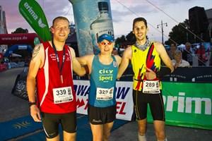Enrico Wiessner, Carsten Tautorat und Bernd Romeikat (v.l.n.r.) sind die schnellsten Marathonläufer bei der Rostocker Marathonnacht 2017