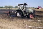 Traktor bei Erntearbeiten ausgebrannt