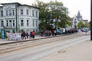 Demo für den Erhalt des Elisabethheims in der Ulmenstraße