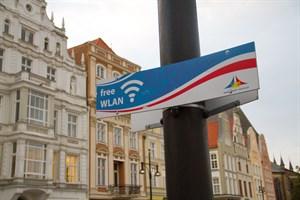 Es gibt schon freies WLan auf dem Neuen Markt in Rostock