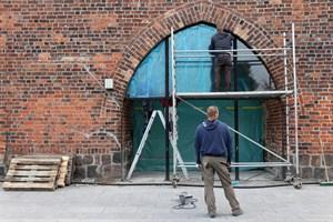 Neue Glasfassade fürs Kröpeliner Tor