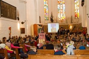 Auftaktveranstaltung zum Leseförderprojekt Bücherturm in der Petrikirche Rostock