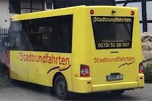 Auffälliger Stadtrundfahrtenbus gestohlen