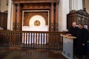 Das neue Kalenderblatt der Astronomischen Uhr in der Marienkirche wird am Neujahrstag 2018 enthüllt
