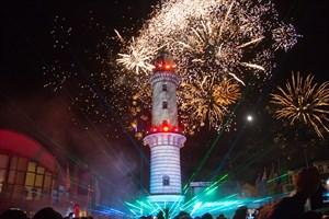 Neujahr 2018 in Warnemünde wird mit dem Warnemünder Turmleuchten gefeiert
