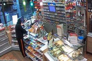 Überfall auf Total-Tankstelle an der Stadtautobahn Rostock - Fahndungsfoto 2