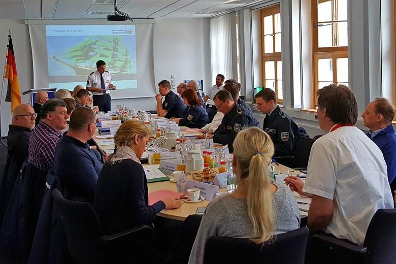 Sicherheitspartner üben für Ernstfall auf der Hanse Sail