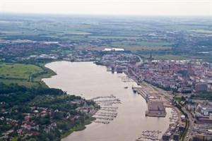 Im Rostocker Stadthafen könnte 2025 die Bundesgartenschau stattfinden, sagt eine Machbarkeitsstudie (Foto: Archiv)