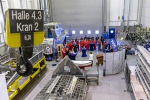 Doppelkiellegung der Deutschen Gesellschaft zur Rettung Schiffbrüchiger (DGzRS) in Rostock: Die beiden Neubauten mit den internen Bezeichnungen SRB 73 und 74 werden auf der Rostocker Werft Tamsen Maritim auf Kiel gelegt. (Foto: DGzRS – Die Seenotretter)
