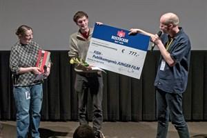 """Der Publikumspreis beim FiSH Filmfestival 2018 in Rostock geht an Michael Bohnenstingl für den Animationsfilm """"Bis Donnerschdag"""" (Foto: Patrick Hinz)"""