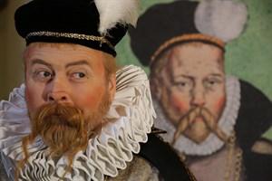 Neuer Image-Film der Universität Rostock: Einer der Hauptakteure war der Volkstheaterschauspieler Steffen Schreier, als der berühmte mit Rostock verbundene Astronom Tycho Brahe. (Foto: Naeomedia)