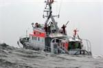 Seenotretter bringen erkrankten 16-Jährigen sicher von Fähre an Land