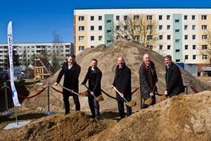 Erster Spatenstich für den sozialen Wohnungsneubau in der Vitus-Bering-Straße in Rostock-Schmarl