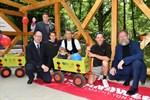 Lehrlinge bauen Bollerwagenunterstand für den Zoo