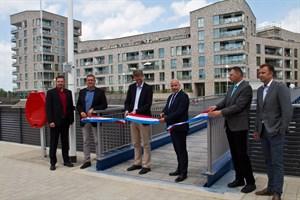Nach der Sanierung der Kaikanten wurde die Uferpromenade am Ludewigbecken übergeben