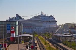 Verträglichkeitsstudie zur Kreuzschifffahrt in Warnemünde fließt in den Masterplan Seekanal ein. (Foto: Archiv)
