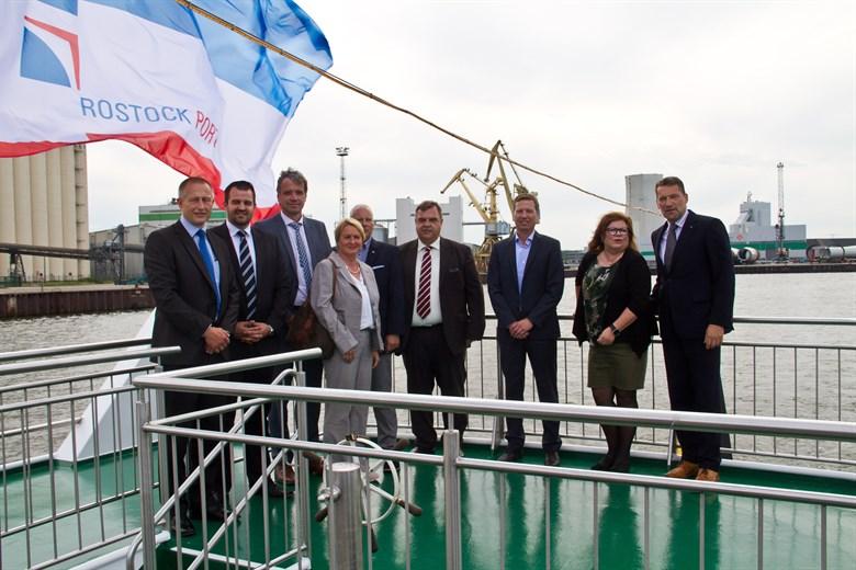 Weniger Fracht, mehr Passagiere - Halbjahresbilanz von Rostock Port