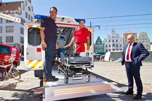 Neuer Schwerlastrettungswagen für das Brandschutz- und Rettungsamt in Rostock