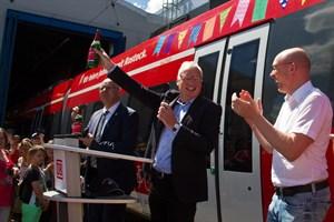Zugtaufe in der DB Werkstatt Rostock mit Oberbürgermeister Roland Methling, Bahnkonzernbevollmächtigtem Joachim Trettin und MVs Infrastrukturminister Christian Pegel.