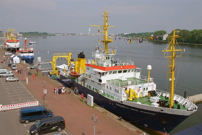 3. Ostseetag mit Open Ship im Rostocker Stadthafen
