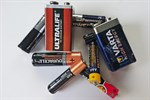 Altbatterien in Sammelboxen oder auf Recyclinghöfen entsorgen
