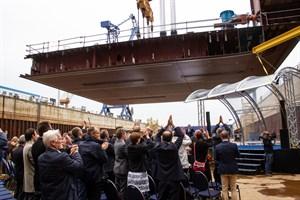 """Die erste Sektion des Kreuzfahrtschiffes """"Global 1"""" wurde heute bei MV Werften in Rostock-Warnemünde auf Kiel gelegt"""