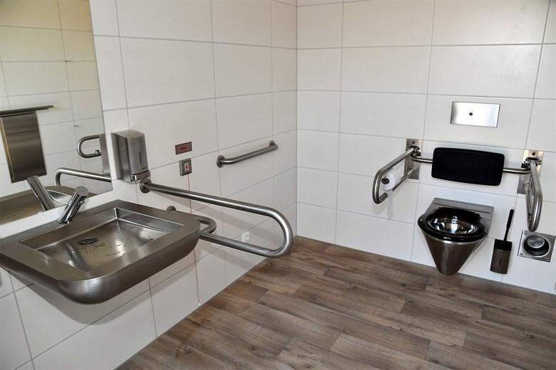 Neue Toilette am Strand von Warnemünde | Rostock-Heute