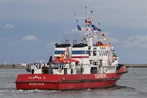 Die Ära des Löschbootes FLB 40-3 geht in Rostock zu Ende (Foto: Archiv)