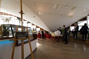 Innenansicht des Warnemünder Teepotts, der als Restaurant genutzt wird