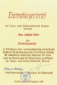 Verleihung des Ehrenbürgerrechts der Hanse- und Universitätsstadt Rostock an Dietlind Glüer - Ehrenbürgerbrief (Quelle: Hanse- und Universitätsstadt Rostock)