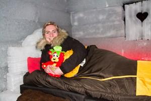 Victoria Diekelmann im Eishotel
