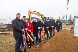 Erster Spatenstich für den Neubau Handelshof Rostock im Gewerbegebiet Brinckmansdorf