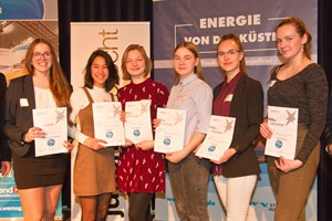 Die Teilnehmerinnen am Bundeswettbewerb Jugend Forscht aus Mecklenburg-Vorpommern