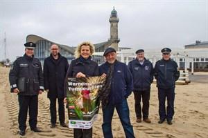 Warnemünder Turmleuchten 2019: v.l.n.r. Stefan Damrath, Matthias Fromm, Martina Hildebrandt, Torsten Sitte, Klaus Möller und Frank Schmoll