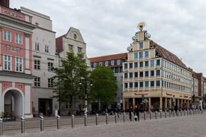 Das Steigenberger Hotel Sonne am Neuen Markt in Rostock gehört zu den 17 Stadthotels, die Arcona an Vienna House verkauft