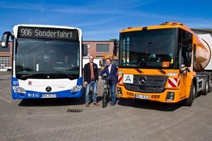 RSAG-Busse und Mülltautos der Stadtentsorgung Rostock fahren mit Abbiegeassistenten