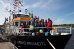 Küsten- und Klimaforscher legen im Rostocker Stadthafen an