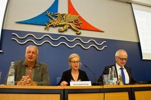 Die neue Bürgerschaftspräsidentin Regine Lück und ihre beiden Stellvertreter Dr. Harald Terpe (links) und Berthold Majerus