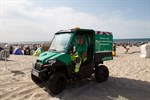 E-Buggy dreht Extra-Strandrunde zum Müllsammeln